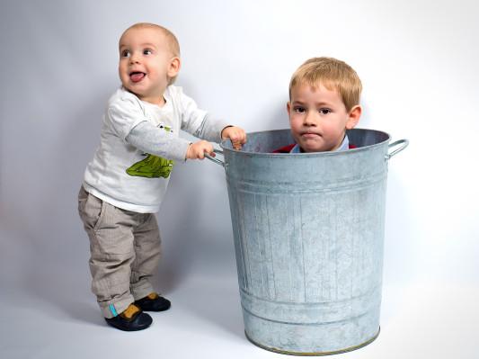 Kinder Tonne